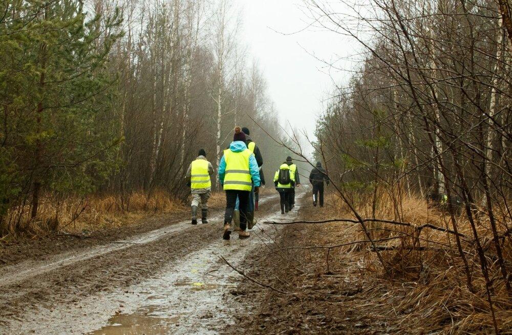 Kadunud Cärolini otsimine - vabatahtlikud aitasid politseid isegi jõululaupäeval Pääsküla rabas.