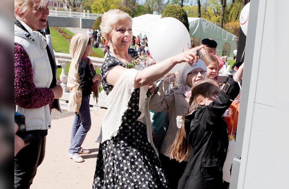 Evelin Ilvese taaraannetuskampaania on kogunud raha 1000 lapse teatrikülastuseks