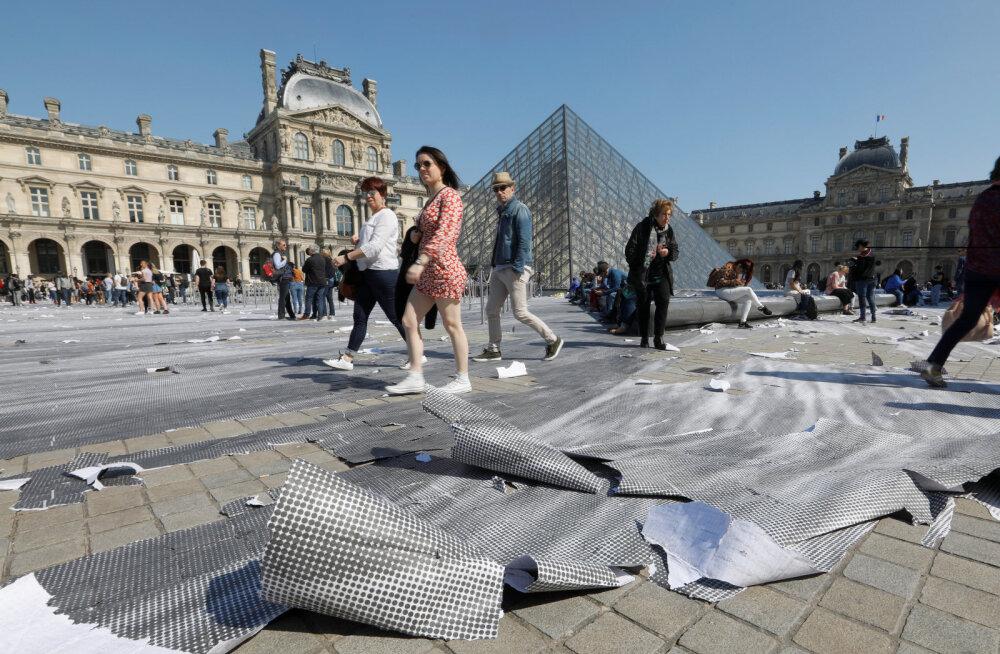 Kahju! Louvre'i sünnipäevaks valminud kollaaž oli vaid tundidega täielikult rikutud
