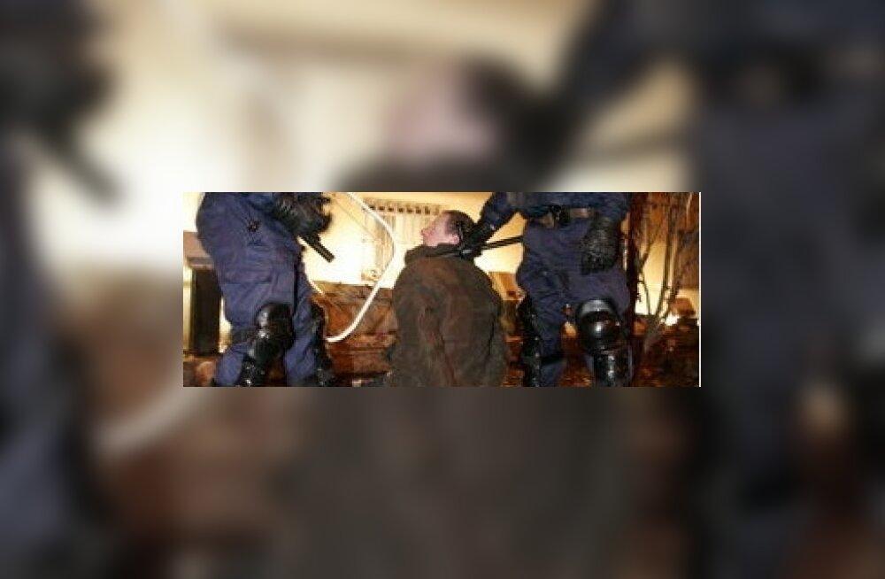 Läti politsei tegevuses rahutuste ajal vigu ei leitud