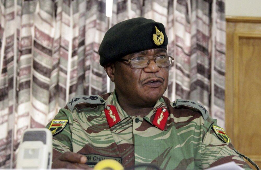 Zimbabwe pealinna poole suunduvad tankid, õhus on riigipöörde hõngu