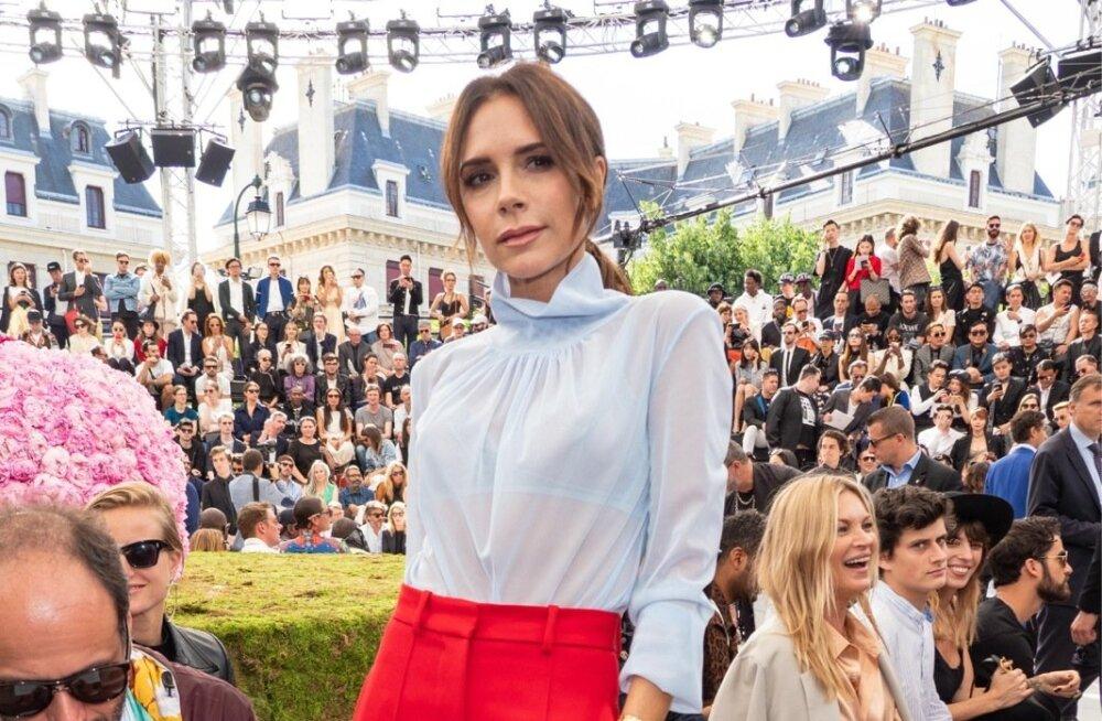 Victoria Beckhami läbikumav kõrge kraega pluus on kohtinguks ideaalne! Laiad viigipüksid ja kontsakingad teevad kandja visuaalselt tükk maad pikemaks.