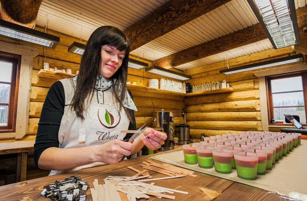 Noor naine rajas unikaalseid käsitööküünlaid tootva koja