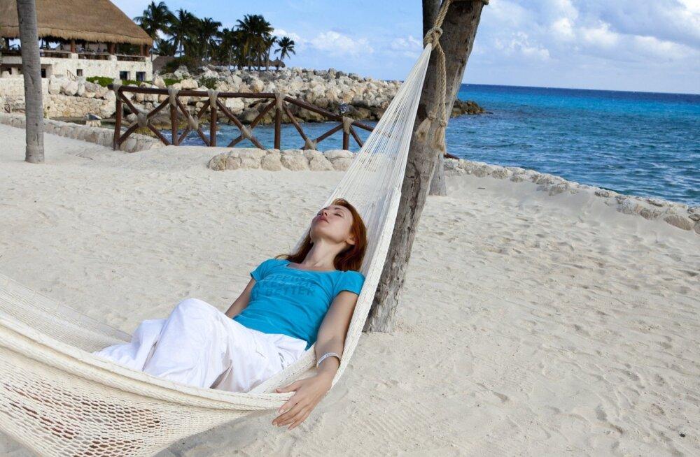 Ученые рассказали, почему во время путешествий трудно заснуть