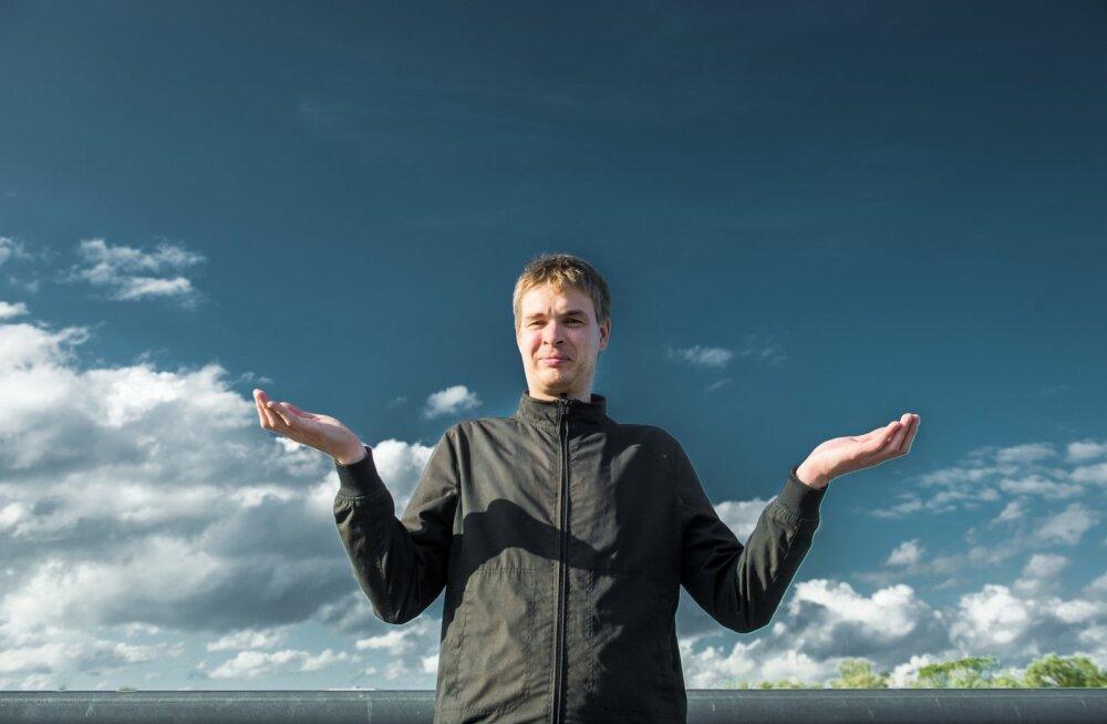 """Sven-Erik Enno võtab Eestis ollessageli ette äikesejahte. """"Kui on näha kuskil äikest arenemas, haaran oma fotovarustuse ja sõidan autoga heasse jälgimiskohta."""""""