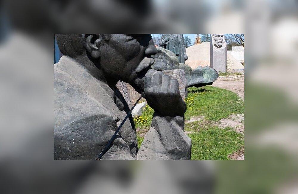 Ajaloomuuseumi uus Lenin