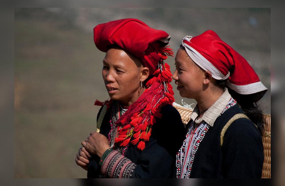 Naised punase jao hõimust.