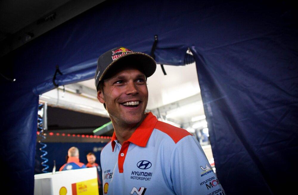 VIDEO   Andreas Mikkelsen naases üle pika aja WRC masina rooli