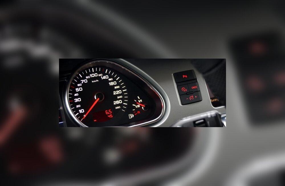 Moodsail masinail on näitu kruttida keeruline, ent võimalik. Pildil Audi Q7 spidometer