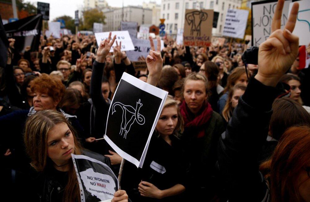 Poola abordi täieliku keelustamise eelnõu lükati parlamendikomitees tagasi