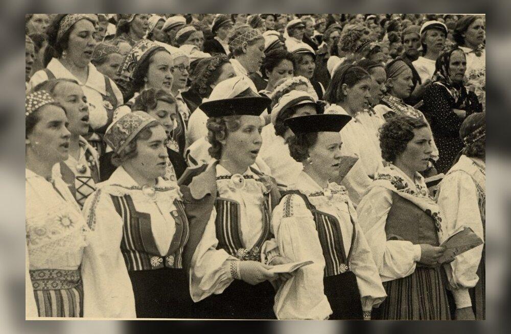 Naiskoorid 1938. aasta XI üldlaulupeol