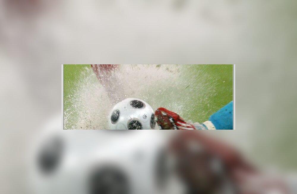 Huvi pallimängude vastu on poistel kaasa sündinud