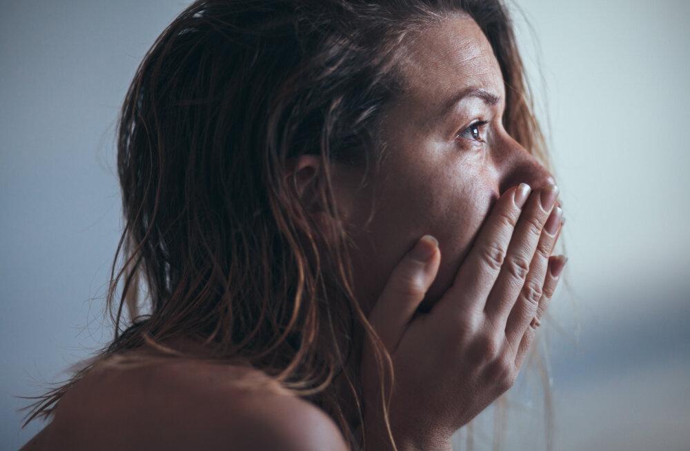 Murtud südamega naine: mees, keda tutvustasin oma perele, sõpradele ja kiitsin taevani, pettis mind kahe naisega
