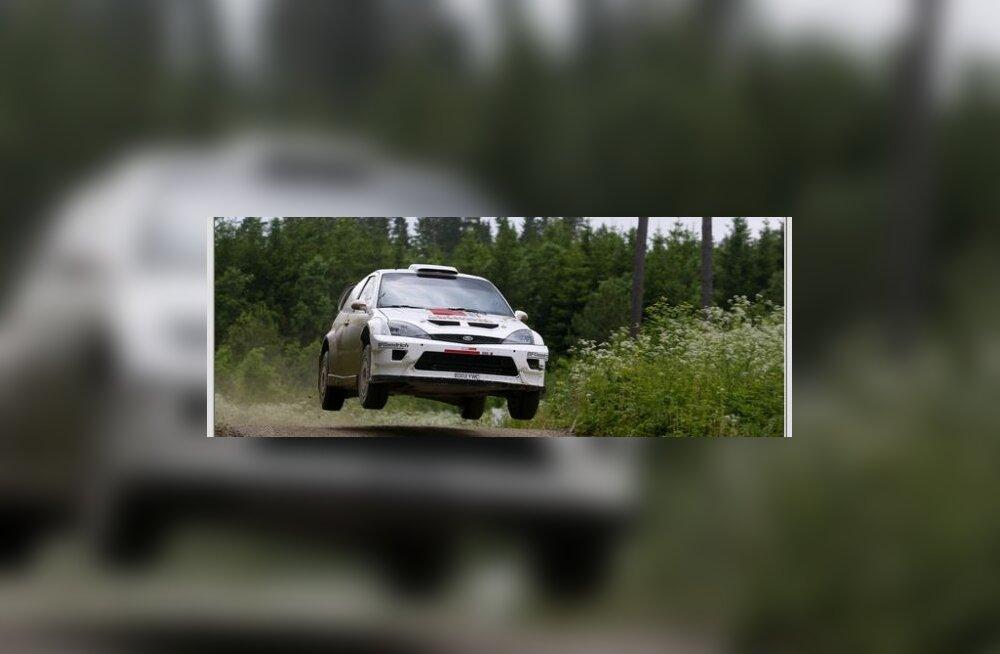 Mulgi rallil on stardis kolm WRC-autot