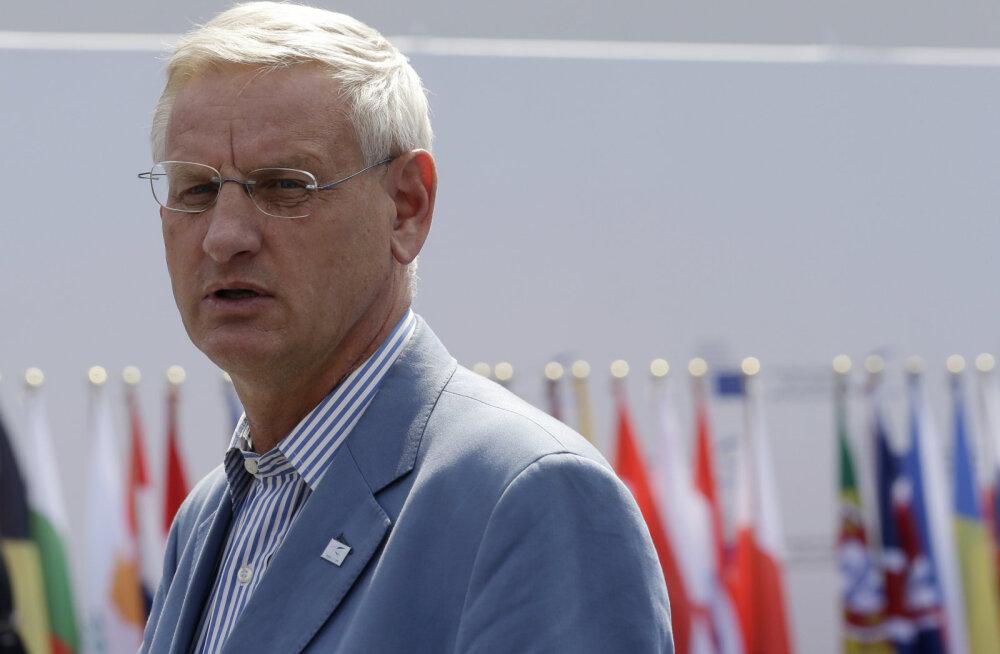 Bildt: Rootsi astub kümne aasta jooksul NATO-sse