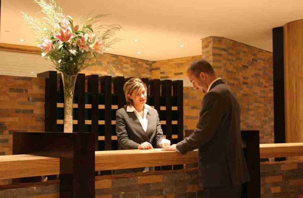 Опрос сотрудников отелей выявил самых невоспитанных туристов