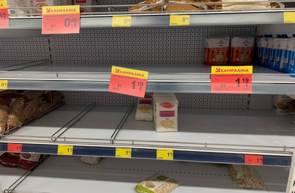 Чего люди в панике скупают в магазинах больше всего? И при чем здесь туалетная бумага?