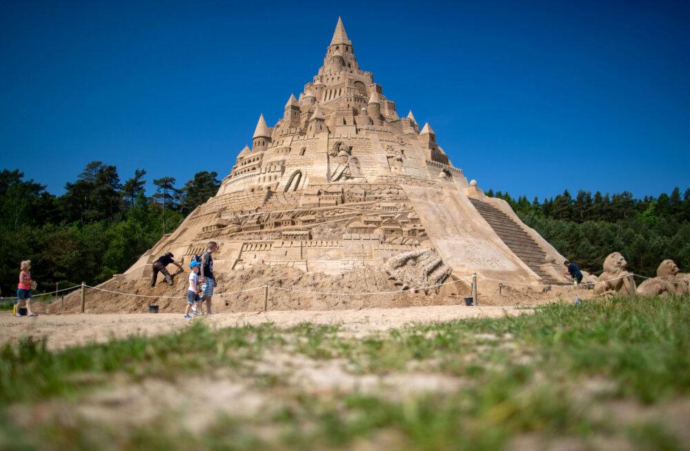 В Финляндии построят самый высокий замок из песка