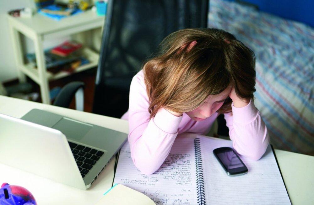 """""""Нет, уйди, расскажи"""": как уберечь ребенка от ненужных встреч в интернете и не только"""