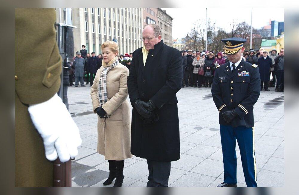FOTOD: Küüditamise ohvritele asetas pärja ka USA saadik Eestis