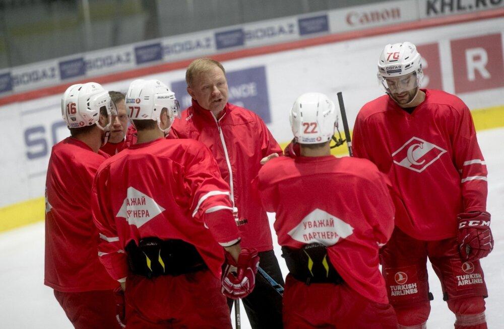 Venemaa legendaarne hokimeeskond Moskva Spartak madistas Tallinnas Helsingi Jokeritega.
