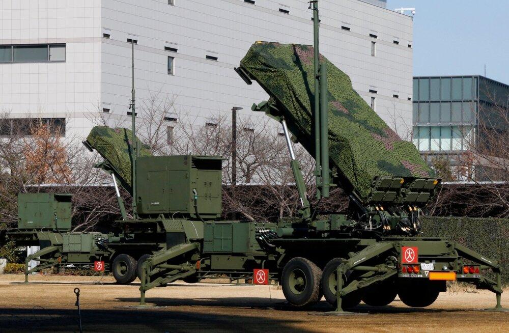 Jaapani kaitseminister käskis olla valmis Põhja-Korea raketi allatulistamiseks