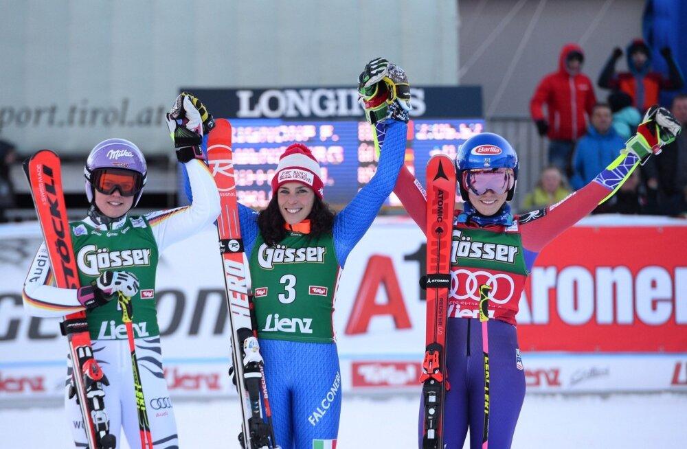 Viktoria Rebensburg (vasakult), Federica Brignone ja Mikaela Shiffrin