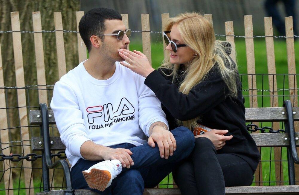 Joe Jonas ja Sophie Turner
