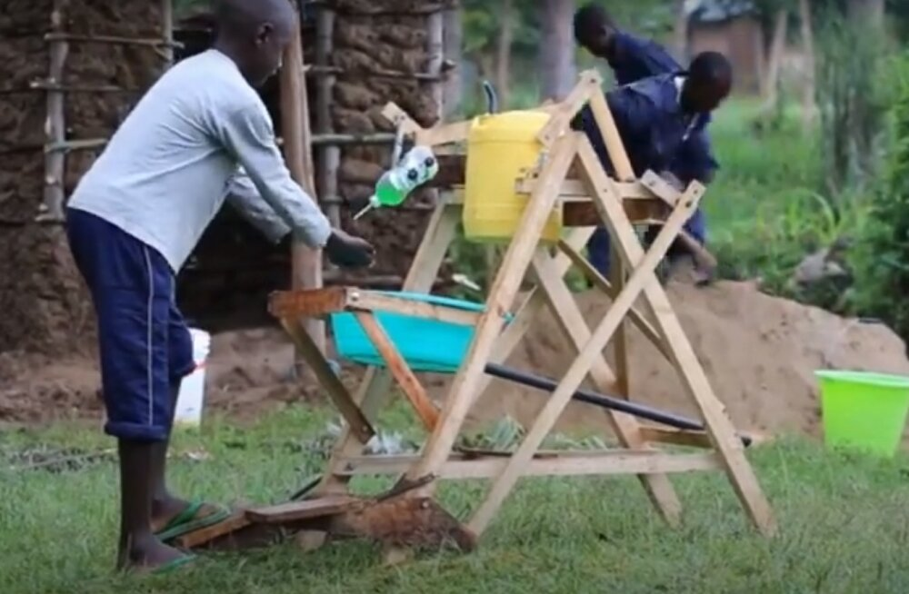 9-летний мальчик из Кении придумал устройство для безопасного мытья рук