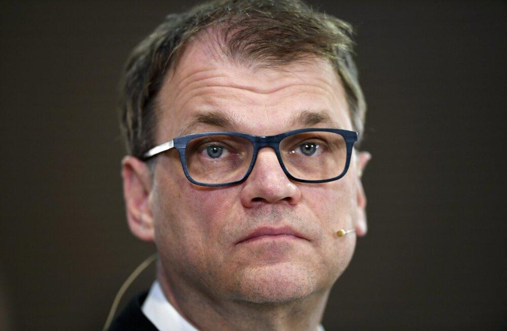 Soome endisele peaministrile tungiti parlamendihoone juures kallale