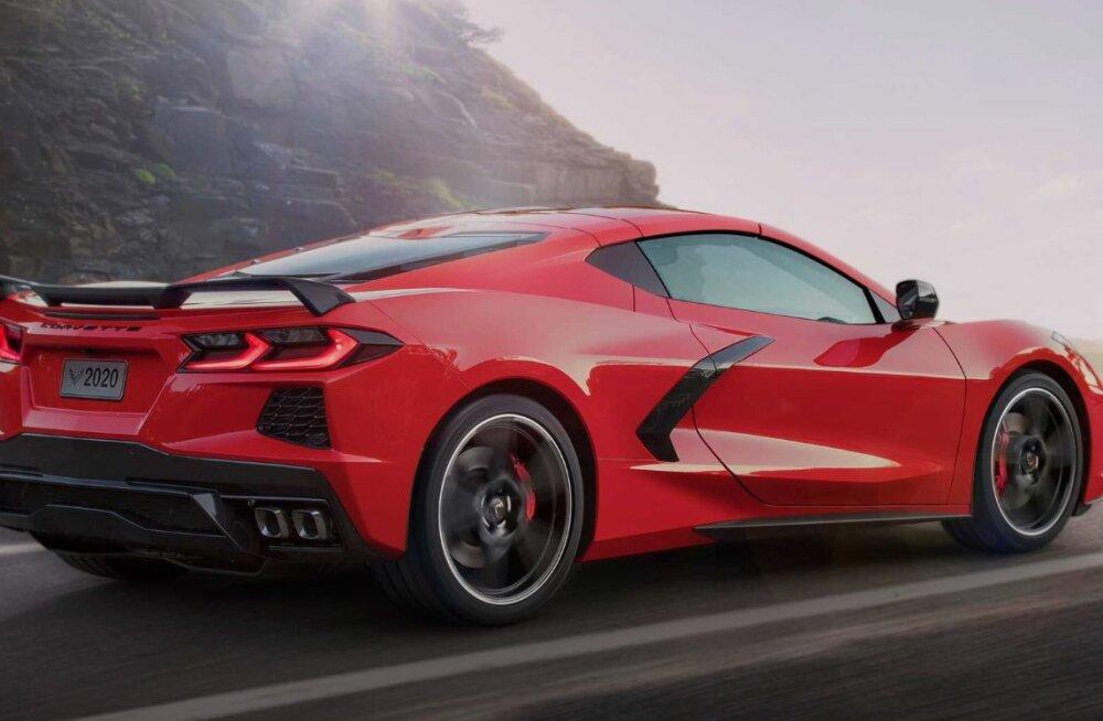 """Esimene C8 Corvette'i sportauto osteti tavalisest 50 korda """"soolasema"""" hinnaga"""