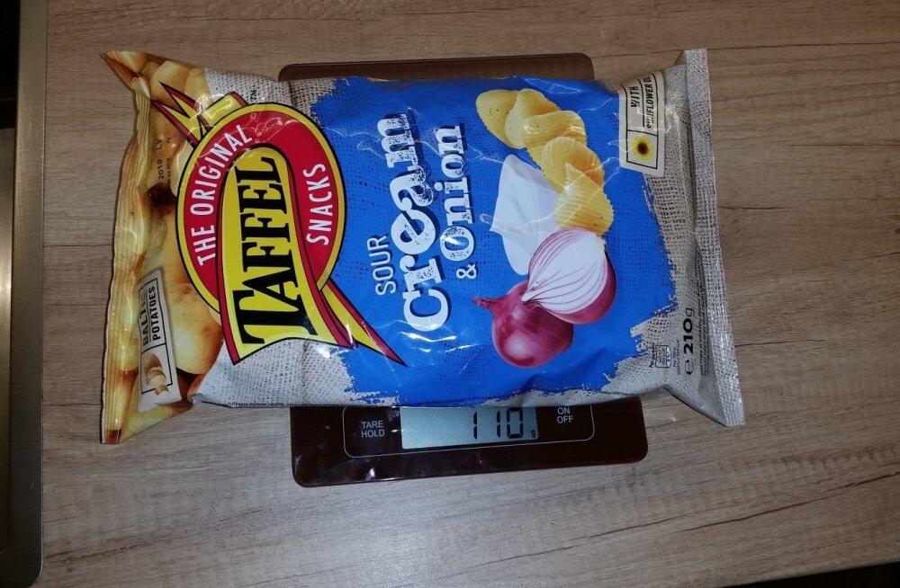 ФОТО | В пачке оказалось вдвое меньше чипсов, чем было указано