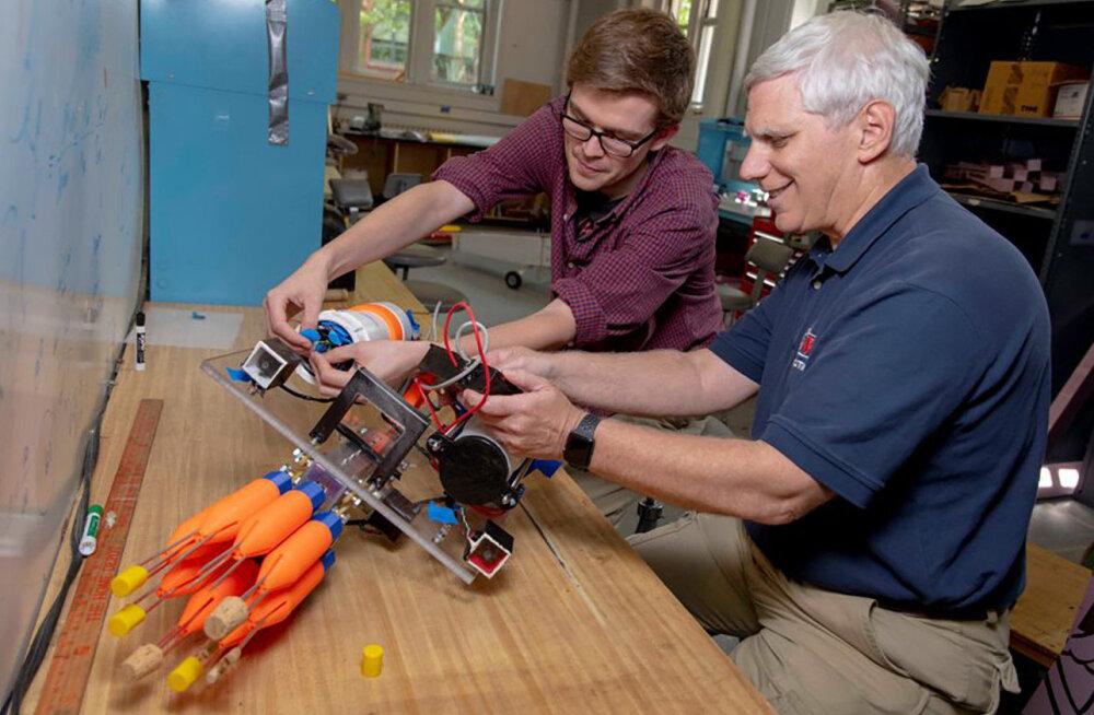 Teadlased ehitasid relvastatud roboti, mis hakkab korallrahusid kaitsma