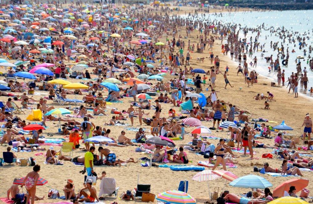 Tulevikus päevitame klaaskuubikutes? Itaalia väljaanne näitab, milline võiks elu randades pärast koroonapandeemiat välja näha