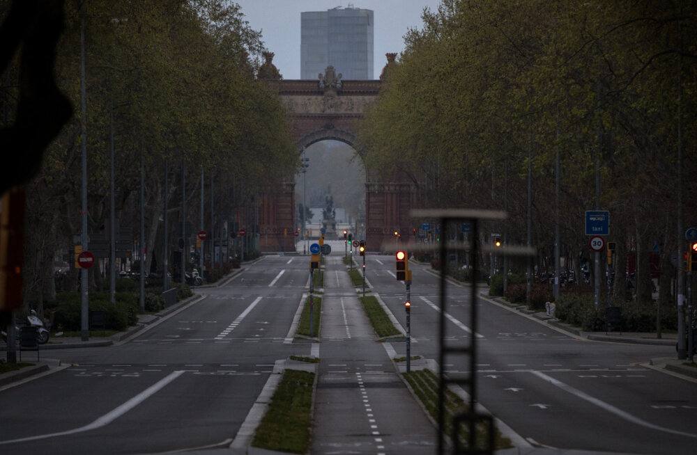 Почти 400 человек умерли от коронавируса за сутки в Испании