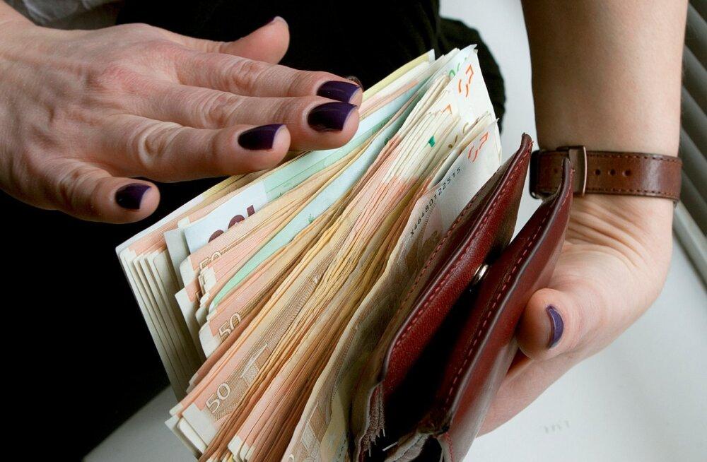 Seitse tuhat eurot sularaha