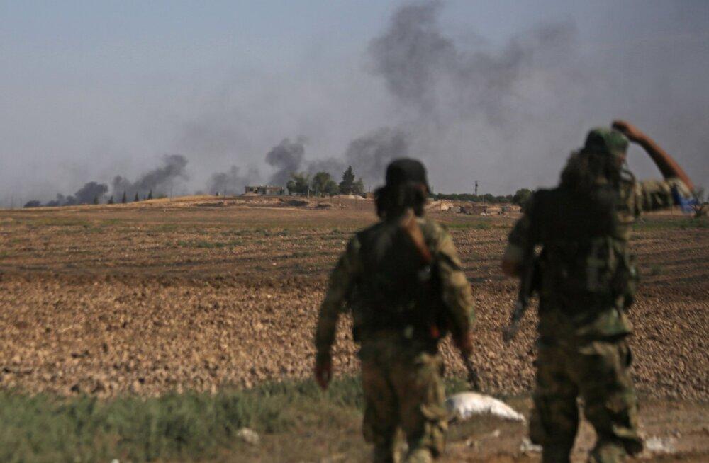 Türklaste rünnaku all olevatel kurdidel võib tulla oma kaitsmisele keskendumiseks ISISe pühasõdalasi täis vanglad hüljata