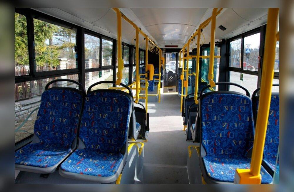 FOTOD: Vaata, millised hakkavad välja nägema Pärnu linnaliini uued bussid