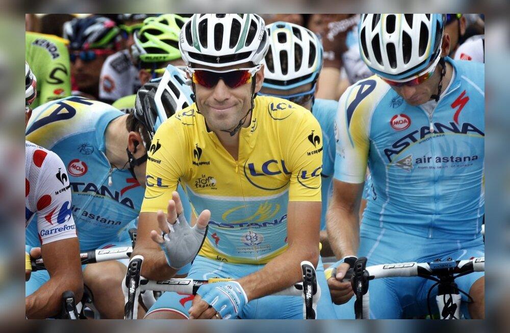 Vincenzo Nibali rõõmsatujulisena Touri 16. etapi stardis
