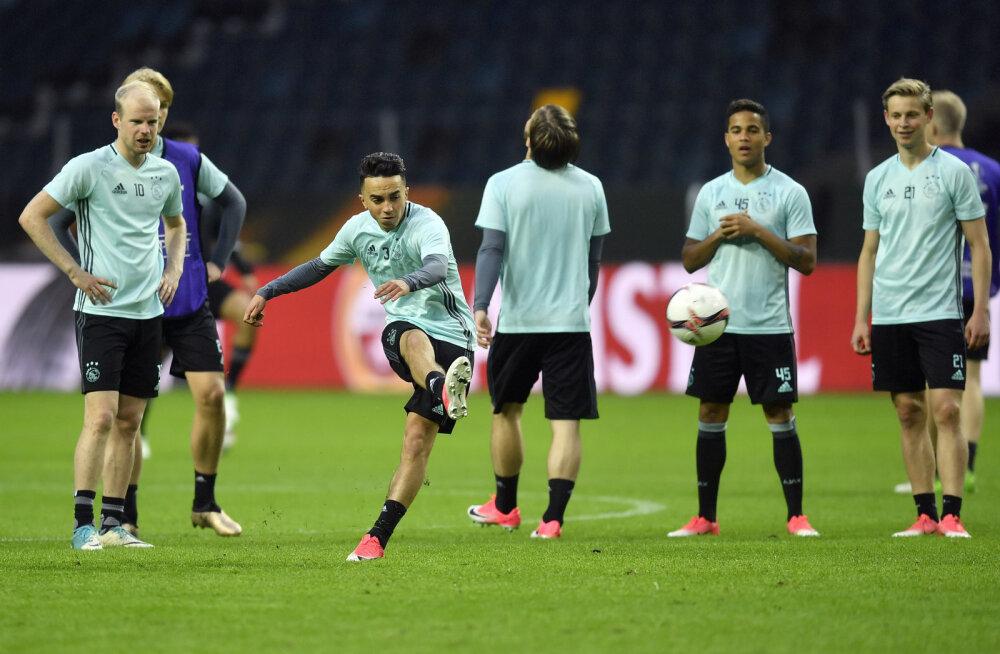 Ajaxi klubi andis kokku kukkunud mängija seisundi kohta lisainfot
