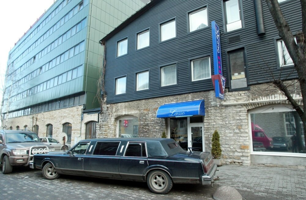 Eestis õppustel käinud Briti sõduritele anti Tallinna stripiklubide teejuht