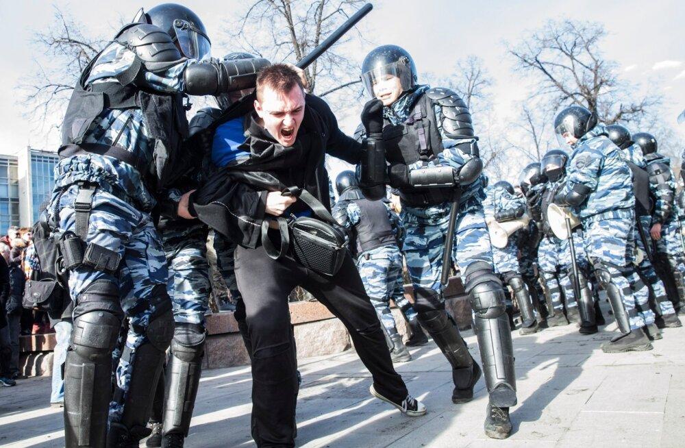 """Dokfilmis """"Putini vastu"""" on näha, et noorte poliitiline aktiivsus Venemaal on viimastel aastatel kasvanud."""