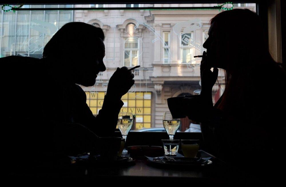 Teadlased: alkohol ja tubakas laastavad maailma tervist enam kui mis tahes keelatud sõltuvusaine