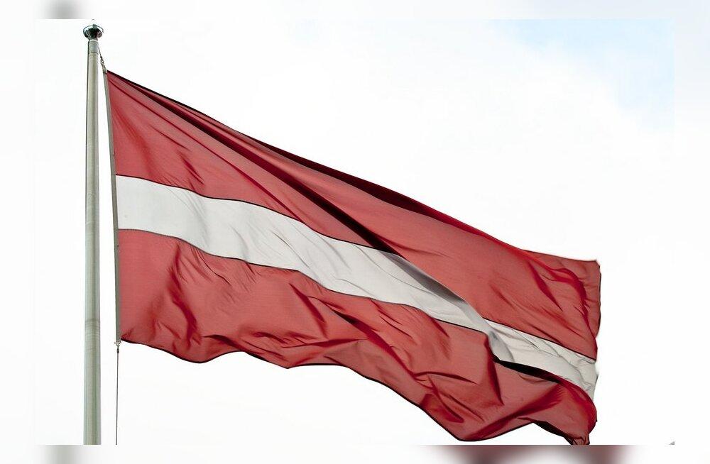 Опрос: голосовать за двуязычие готовы 28% граждан Латвии
