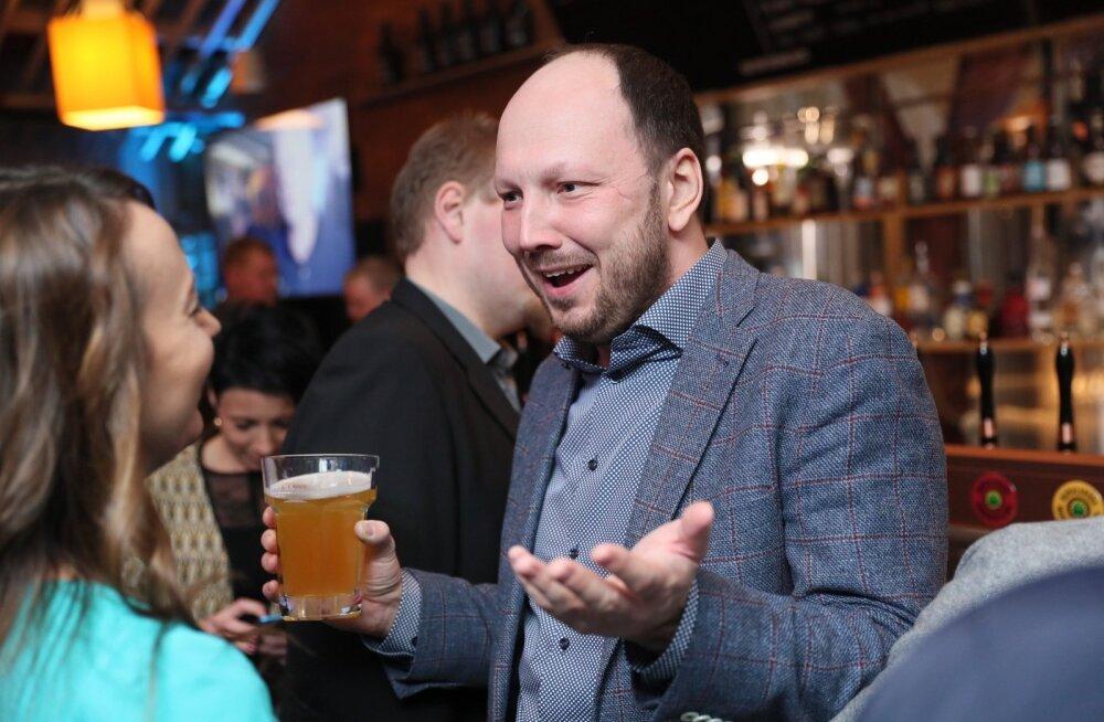 Eesti 200 üks eestvedajatest, Meelis Niinepuu 3. märtsil erakonna valimispeol