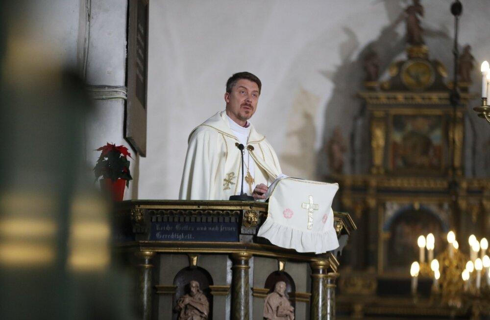 EEELK peapiiskop Urmas Viilma kutsus advendijutluses üles märkama laste- ja naistevastast vägivalda