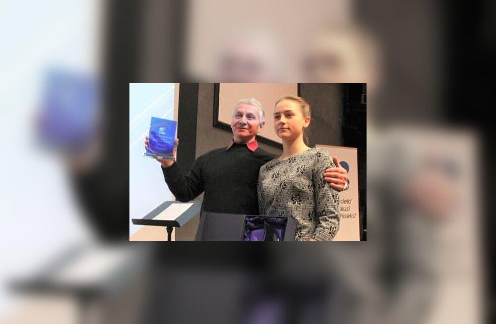 Angelina Matjuhhina koos treeneri Anatoli Sosnovskiga.