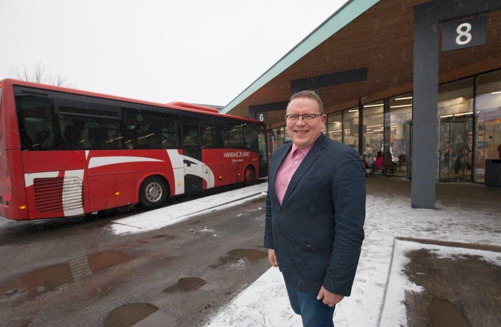 Pärnu Ühistranspordikeskuse juhataja Andrus Kärpuki sõnul on Pärnu piletisüsteem esmapilgul keeruline ainult väljastpoolt tulnud inimesele, kohalikud on tema hinnangul endi jaoks kõik vajalikud nüansid selgeks teinud ja teavad täpselt, mis neile kasulik o