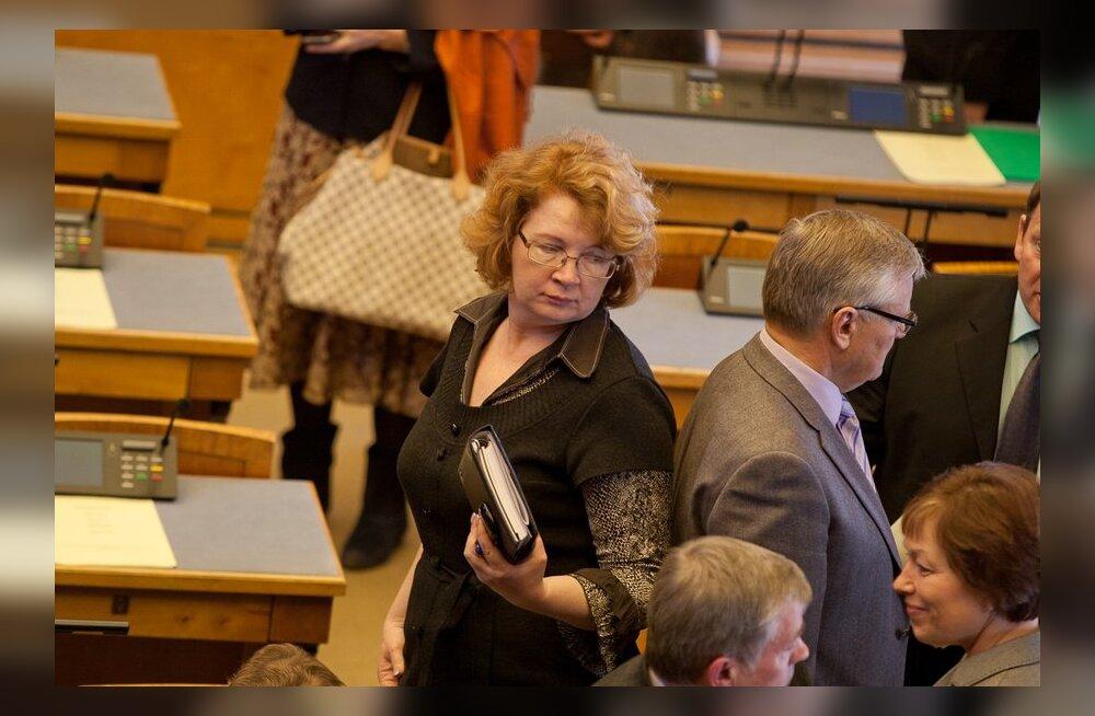 Оппозиция Рийгикогу направила Ансипу запрос о деятельности уполномоченного по равноправию