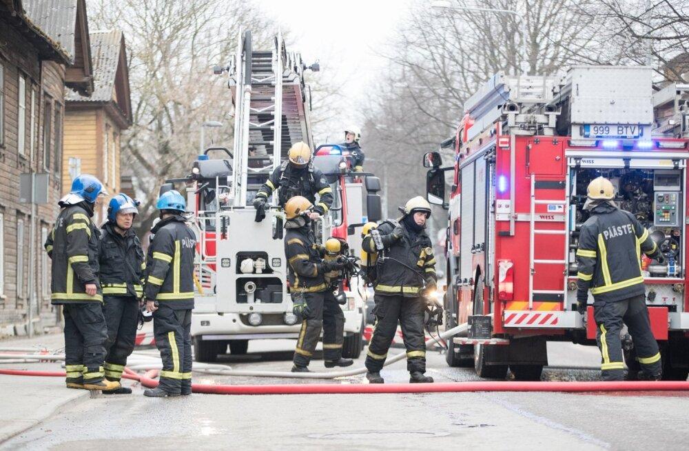 Telliskivi tänaval põles Aasia restoran